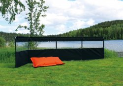 Sturdy windscreen for camping from Svenska Tält. Suitable for a seasonal site.