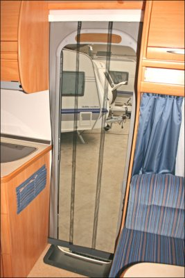 Mosquito curtain for caravan and camper van